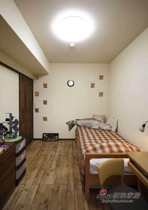 北欧 二居 卧室图片来自用户1903515612在好爸爸打造出75平北欧童话61的分享