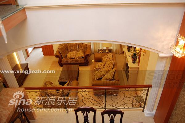 欧式 复式 客厅图片来自用户2746869241在名仕豪庭17的分享