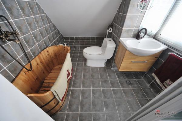木制浴盆的设计,配合着整体的家装风格