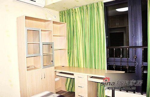 混搭 二居 卧室图片来自用户1907691673在5.5万巧装80平温馨2居小窝76的分享