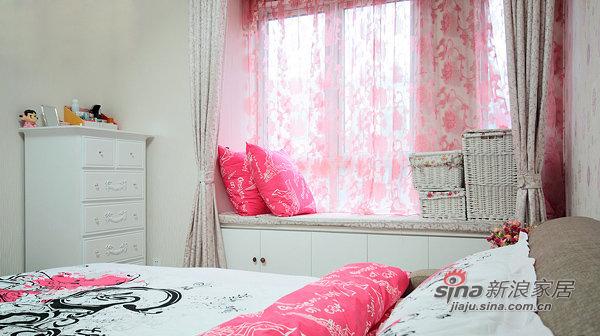 简约 三居 卧室图片来自佰辰生活装饰在87平黑白色搭现代时尚靓家30的分享