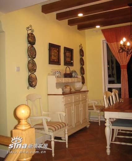 欧式 三居 客厅图片来自用户2745758987在逸翠园小区80的分享