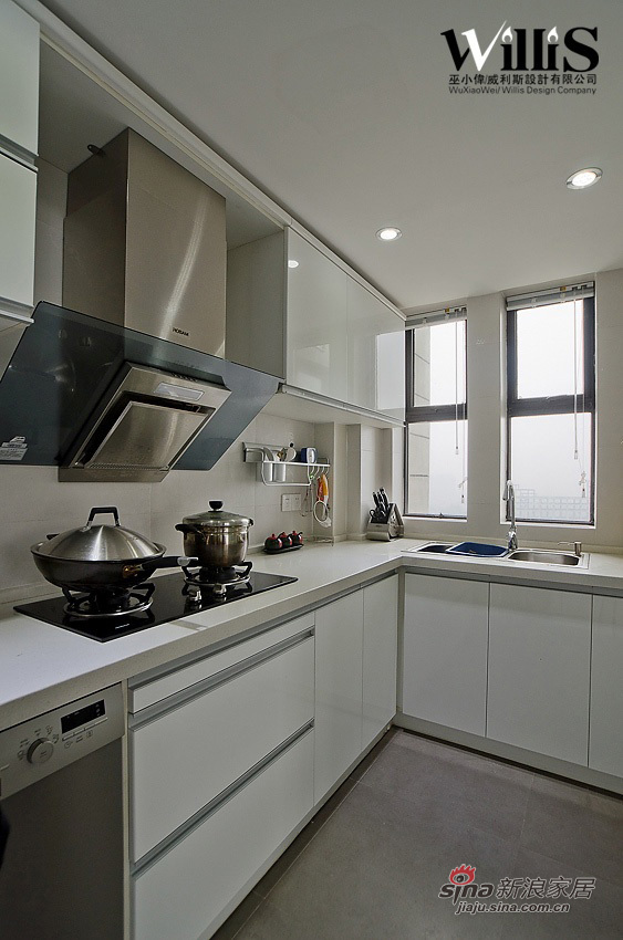 中式 跃层 厨房图片来自用户1907658205在250平新中式风 演绎不一样的《荷塘月色》12的分享