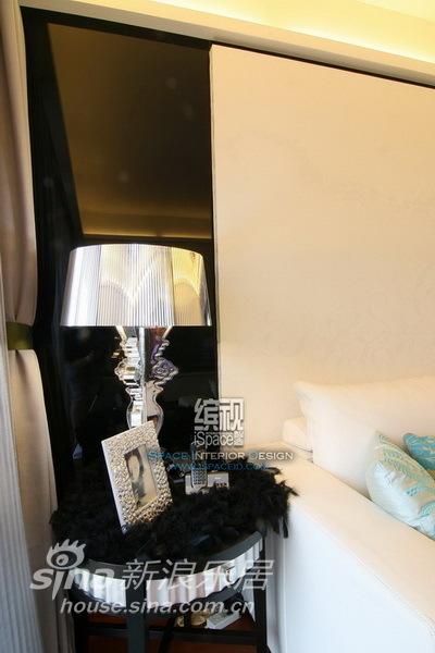 简约 三居 客厅图片来自用户2737735823在ART DECO-上海滩花园12的分享