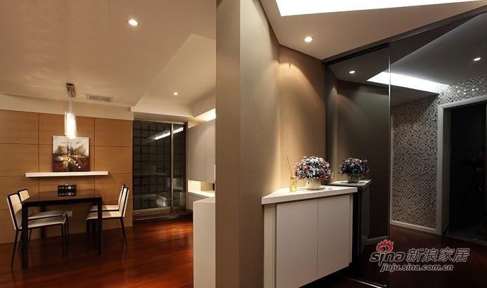简约 二居 客厅图片来自用户2557010253在白领6.2万改装95平现代个性两居室44的分享
