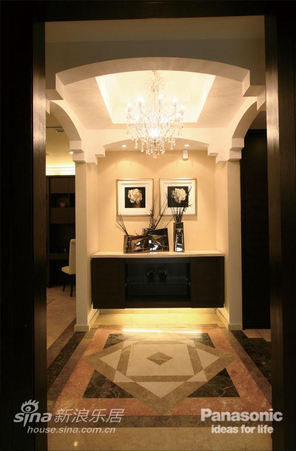 门廊更具欧式奢华感,典雅而高贵