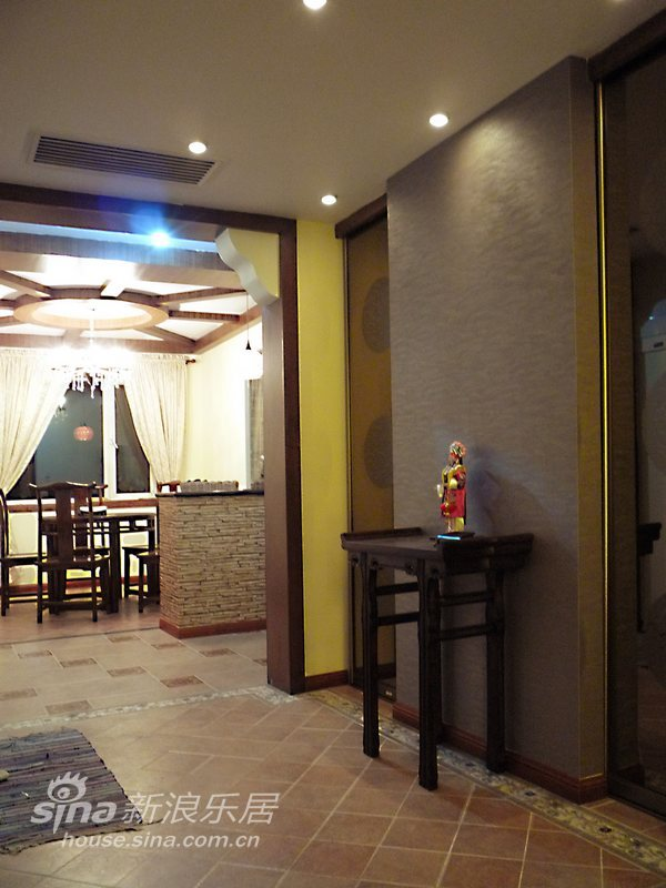 中式 三居 客厅图片来自用户2737751153在朴素与张扬并存的新中式56的分享