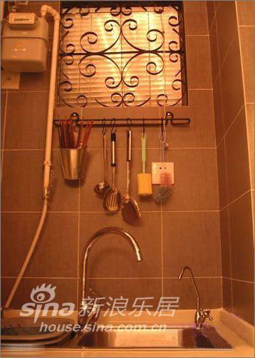 简约 一居 厨房图片来自用户2739378857在53平米花园般爱的小屋—瑞博文蜻蜓推荐51的分享