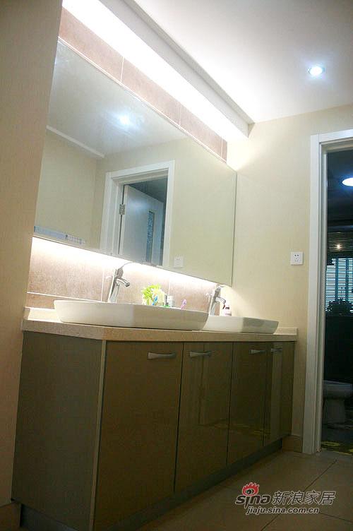 简约 三居 卫生间图片来自用户2739378857在IT男10万装130平简约婚房44的分享