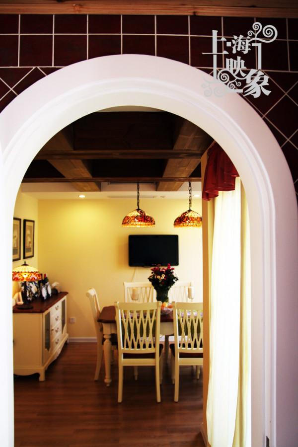 混搭 跃层 餐厅图片来自上海映象设计-无锡站在【多图】半包13万打造150平跃层馨香楼阁66的分享