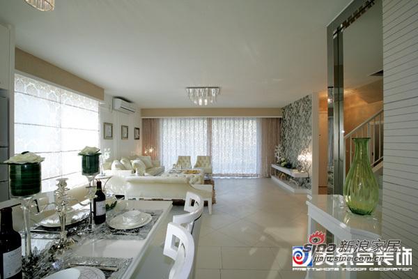 欧式 二居 客厅图片来自用户2557013183在100平简欧家57的分享