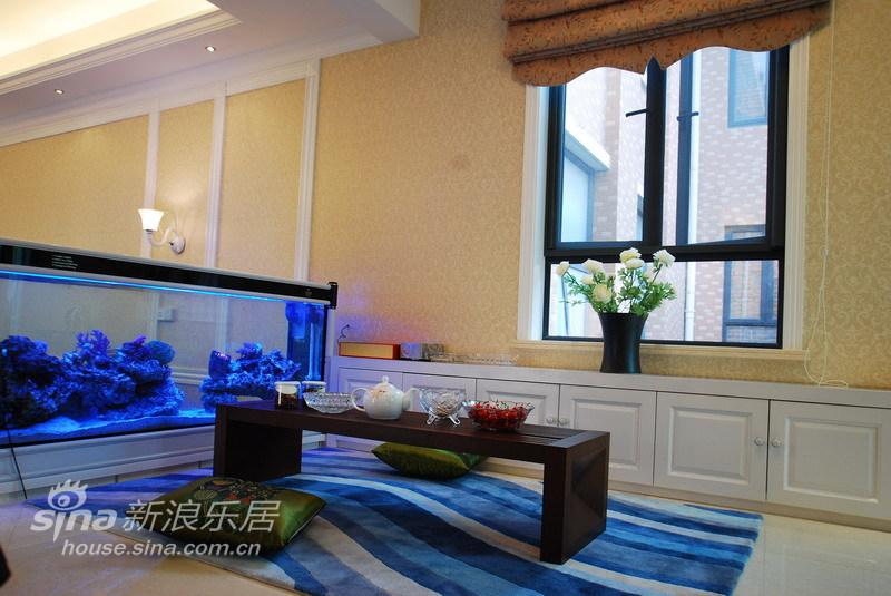 简约 别墅 客厅图片来自用户2738820801在黑玫瑰之混搭别墅70的分享