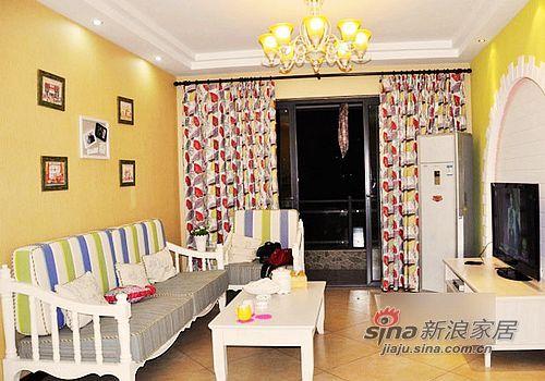 混搭 二居 客厅图片来自用户1907691673在5.5万巧装80平温馨2居小窝76的分享