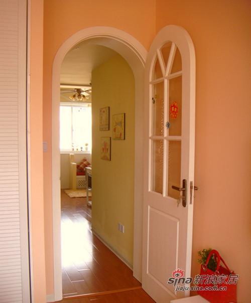卧室门,白色设计十分时尚,简约美。