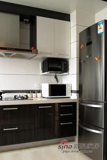 简约 二居 厨房图片来自用户2739153147在6万巧装超强收纳89平简约家28的分享
