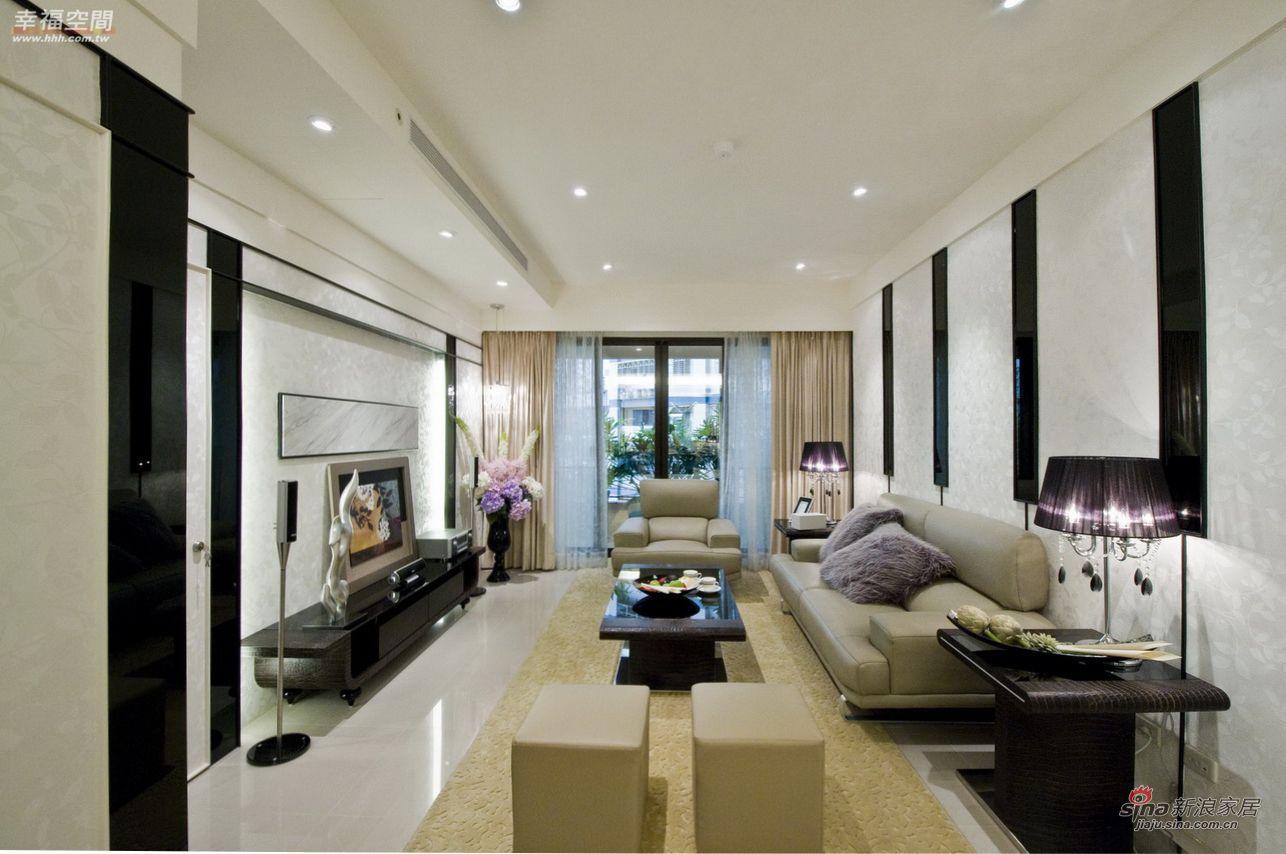 简约 四居 客厅图片来自幸福空间在165平经典黑白琴键打造精致公寓71的分享