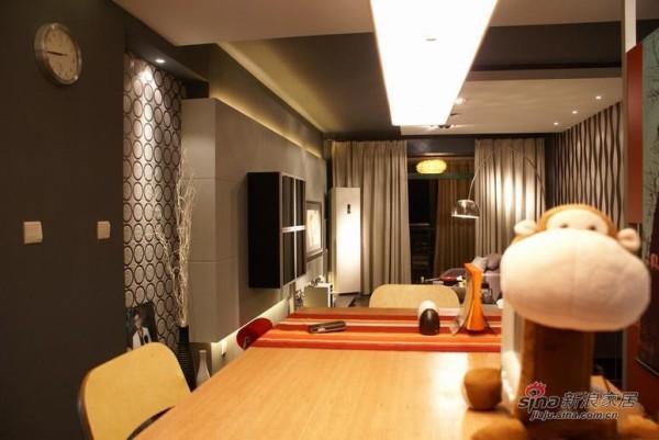 简约 一居 餐厅图片来自用户2738813661在15万装夫妻120平简约婚房79的分享