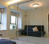 更衣 储藏 客卧 多功能室- 椿木镜面移门+储藏衣柜- IKEA沙发床