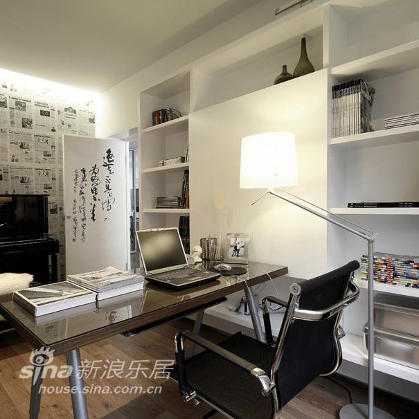 简约 二居 书房图片来自用户2558728947在黑白经典搭配 尊贵时尚70的分享