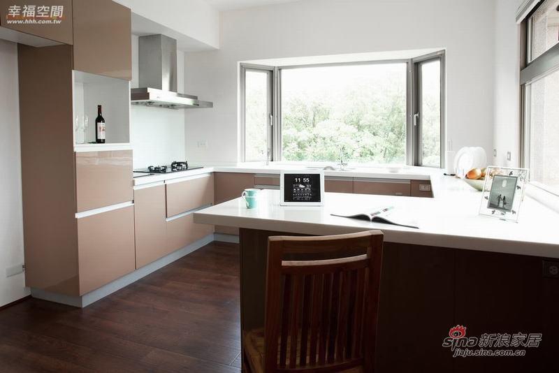 简约 四居 厨房图片来自幸福空间在198平原木简约自然风61的分享