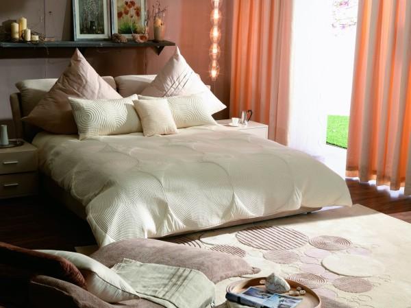 圆,床品与地毯,无声的祝福新人圆美,别致的灯饰,几许浪漫与温情.