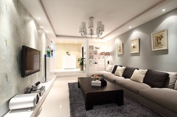 黑灰配的沙发靠垫,增加居室的灵动性