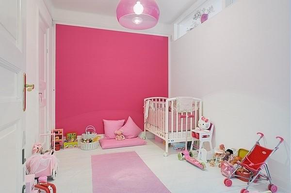 粉色的主题很明显适合小公主的房间