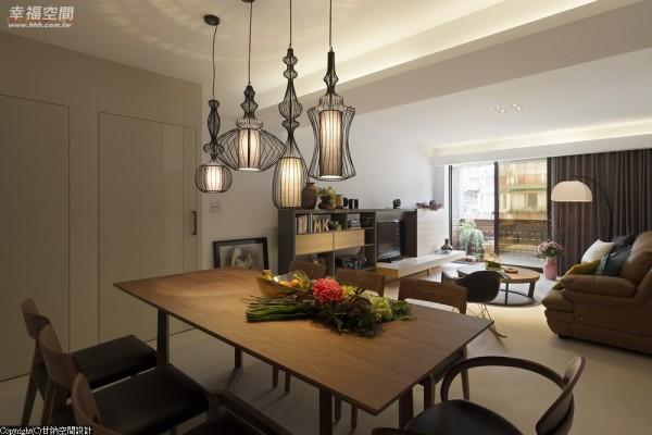 设计师将所有门片改以隐藏式规划,型塑光亮延展生活的完美框架。