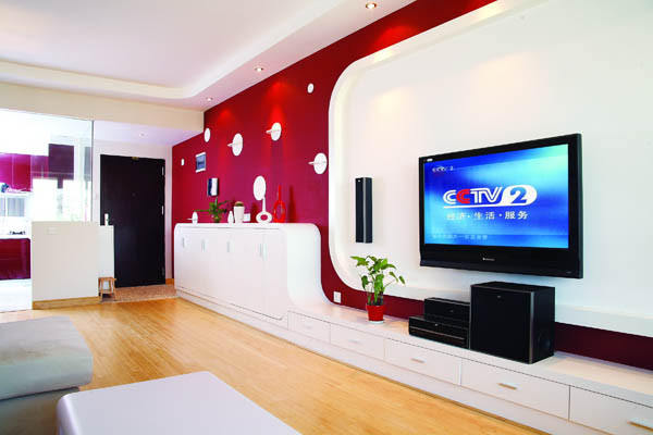 鞋柜、电视柜、背景墙、装饰区等多种功能依依体现在整体墙当中