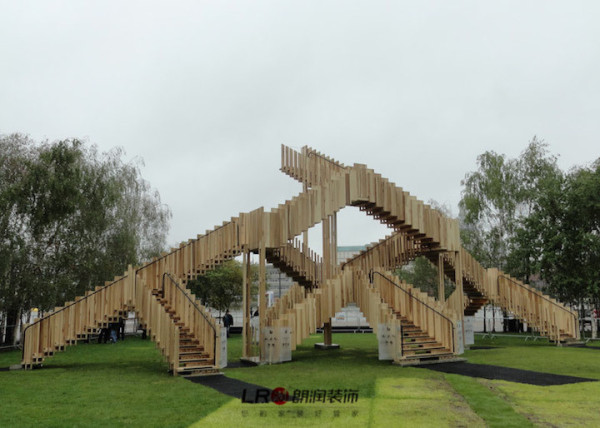 设计公司dRMM利用十五节楼梯设计的雕塑作品,位于Tate Modern美术馆。