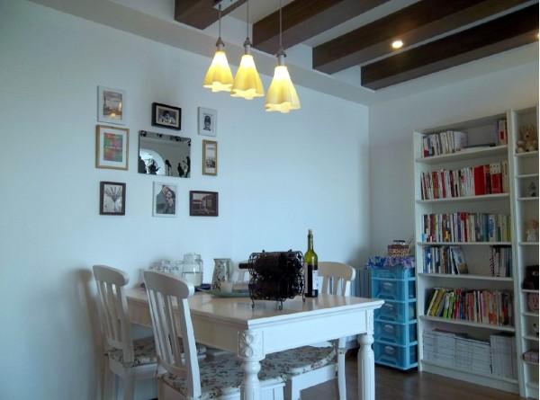 地中海风格的餐厅,让你的家散发着浪漫与温情。浪漫的地中海,是不错的度假胜地,想不想在家体会地中海的风情?