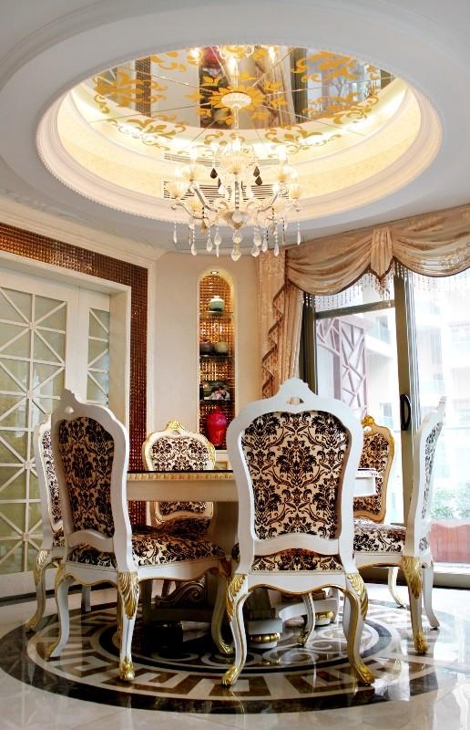 穿插一些茶色磨花镜子,莎安娜大理石的精致线条,以及过道的拼花马赛克图片