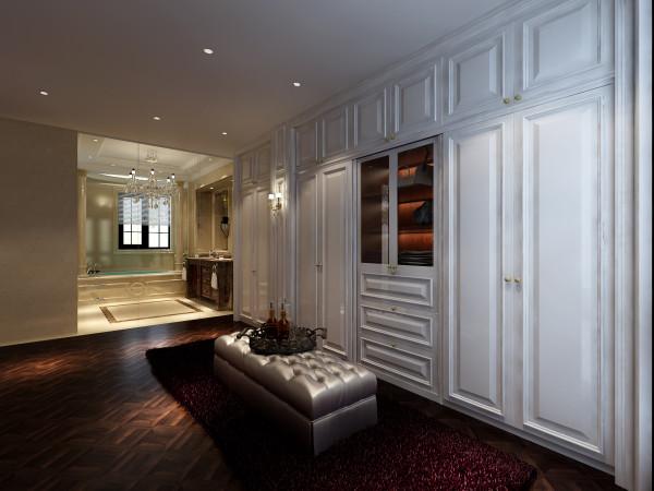衣帽间 依照屋主风水需求,调整室内廊道动线,适当暗藏收纳与壁面美化,充分发挥客制化设计与功能美的最高境界,全室银白色调及优雅浪漫图腾点缀其中,房如其人,隐约透露出女主人的优雅与高贵