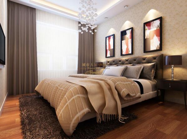 卧室是壁纸PU线条压边,地面全房强化复合木地板,经济实惠,却又不失清新淡雅。