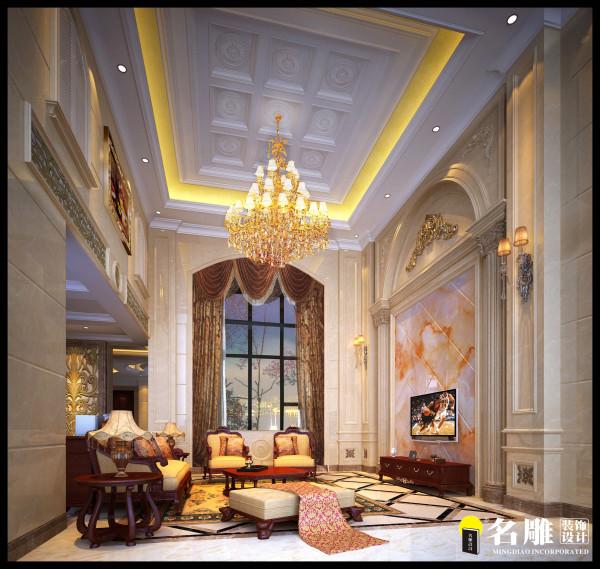 地面的材质丰富,配置精致而又华丽的沙发。  天花以流利的线条着为装饰,更加有层次感。配以淡淡的金色,使整个空间更为整体。