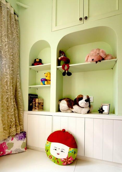 开放式书房壁柜摆放的玩具,很可爱萌翻啦