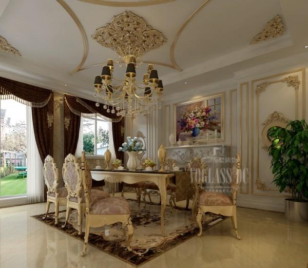 餐厅的设计以欧式奢华的风格为主