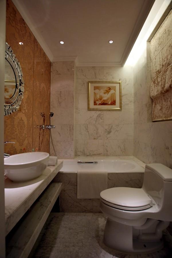 龙湖·双珑原著 卫生间 浴缸 马桶