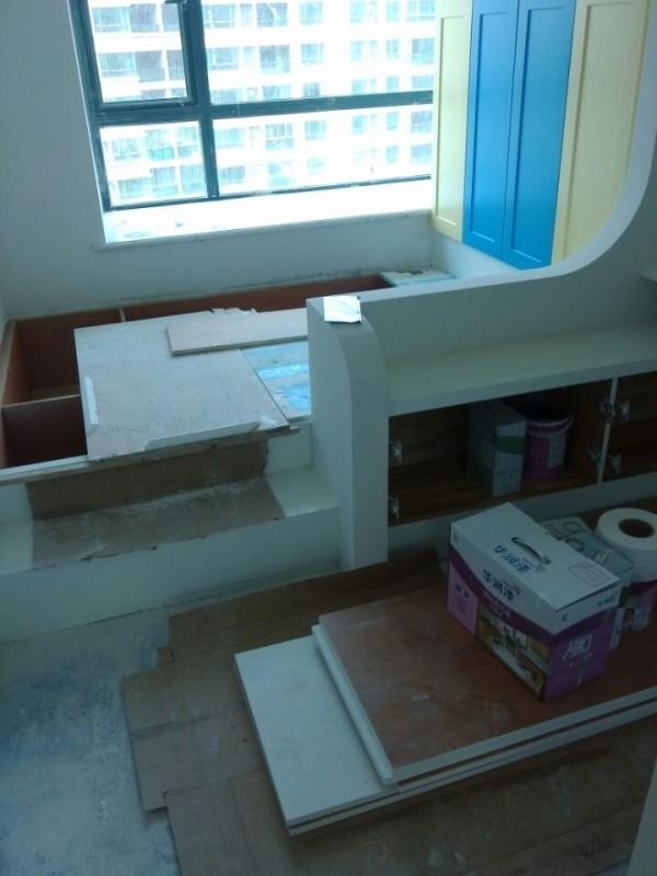 充分利用空间,多做柜子,储藏容量大