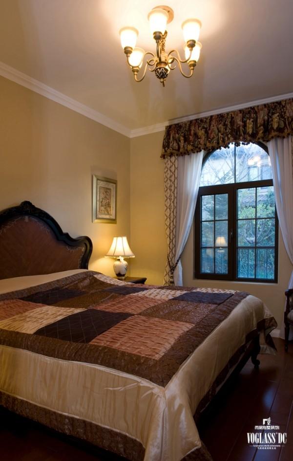 龙湖滟澜山 多一朵花儿的生活 380平米 卧房设计