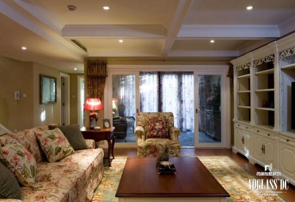 龙湖滟澜山 多一朵花儿的生活  380平米  客厅设计