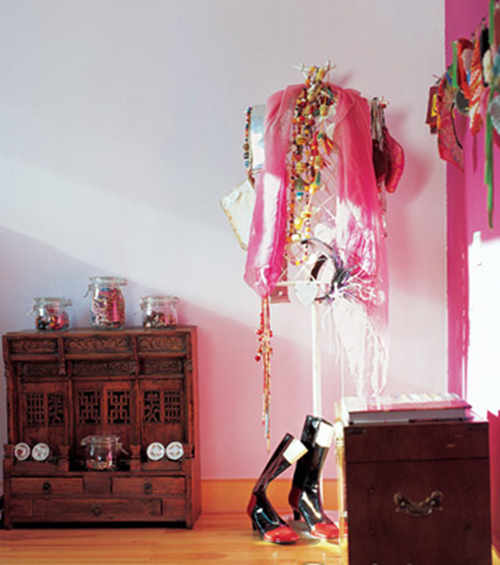 主人作品的陈列,也是空间最好的装饰。