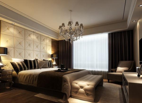 床头背景墙采用软包,地板上墙。