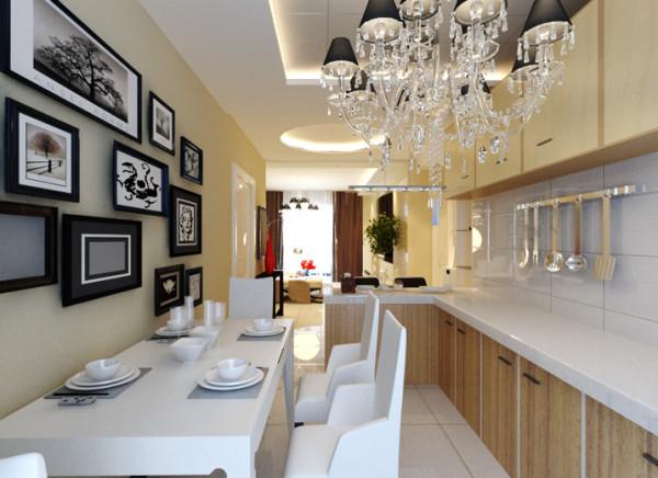 作为年轻夫妇的用餐之地肯定要时尚,除了小两口平时可以小浪漫的吧台以外,还有可以供亲朋好友用餐的餐桌。
