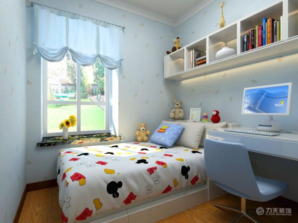 儿童房采用淡蓝色,大海和天空的颜色,孩子更加的喜欢,整体的布局对孩子也有一定的延展性。