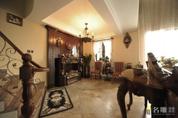 名雕装饰设计——客厅背景:木饰面的背景装饰,仿古的艺术摆件,彰显高贵大气。