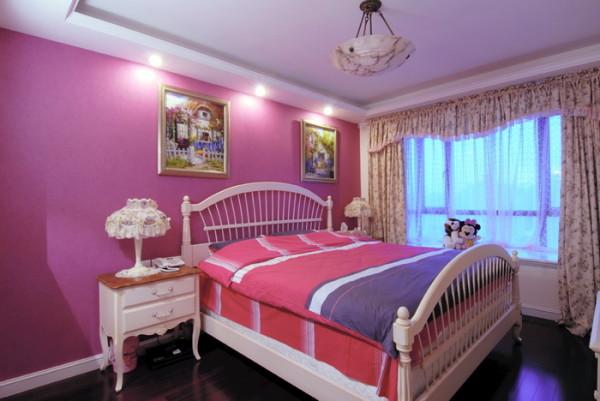 卧室粉紫色