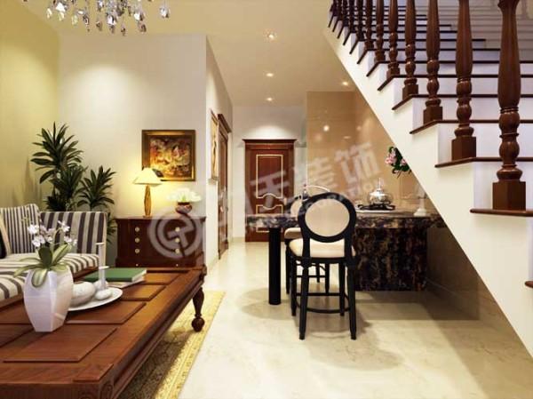 由于空间较小,所以餐厅设计成了吧台形式。