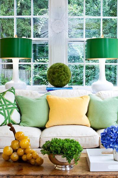 浅绿色的抱枕,带给人宁静和温馨