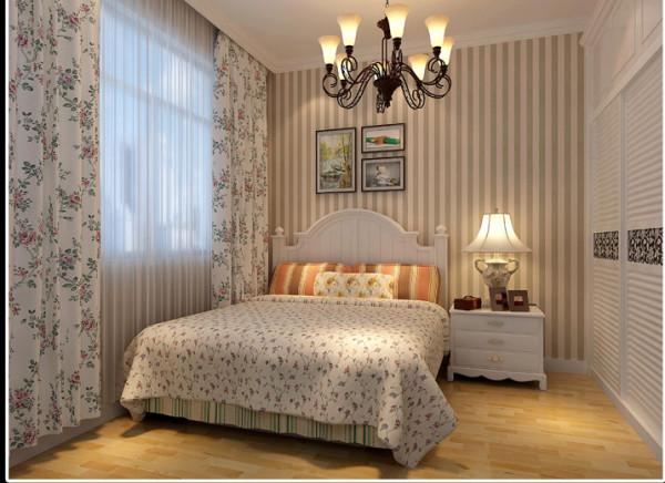 卧室里除了地板和墙面的步骤处理外,用华丽的家具做到轻装修重装饰的效果,整体衣柜也有效地解决了储物的功效。由于比城市更贴近原始自然环境,而居住在乡村里的人们的生活方式淳朴,生性豁达率性,心理压力小。